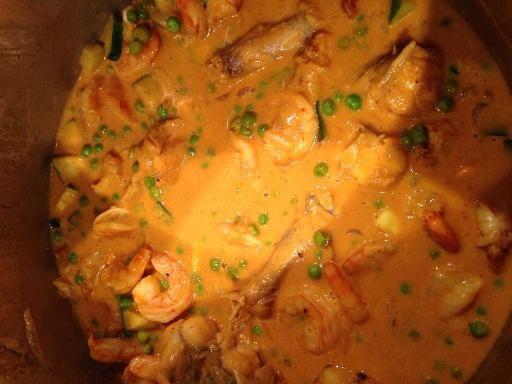 Queue de lotte au lait de coco et curry : Recette de Queue de lotte au lait de coco et curry - Marmiton - Tail of monkfish with coconut milk and curry