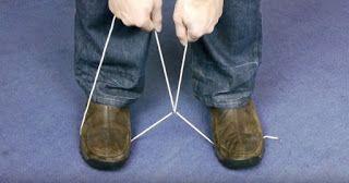 Αυτό που κάνει με αυτό το σκοινί ανάμεσα στα πόδια του μπορεί κάποια μέρα να σας σώσει τη ζωή!