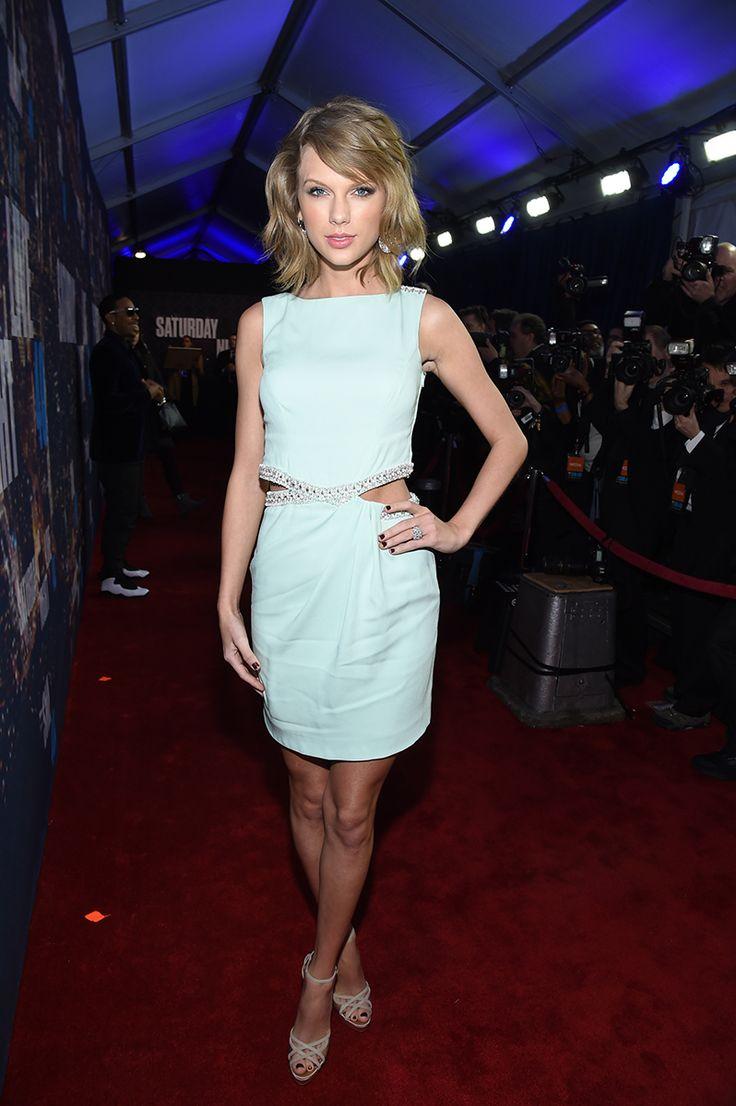 Kanye West, Dakota Johnson, Emma Stone, and More Toast 40 Years of Saturday Night Live – Vogue
