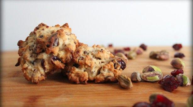 Cranberry-Pistachio Oatmeal-Quinoa Cookies: Cookies With Quinoa Sounds, Cranberries Pistachios, Oats Quinoa, Pistachios Cookies With, Recipe, Cranberry Pistachios, Pistachios Oats, Oatmeal Quinoa Cookies, Pistachios Oatmeal