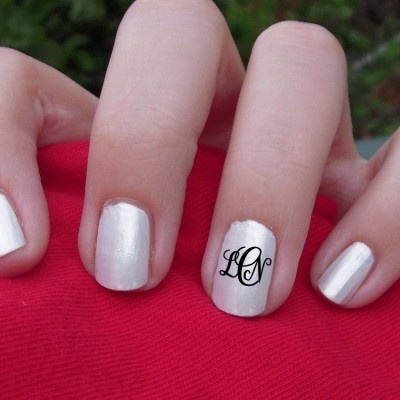 monogram nails! love this. use your new initials :)