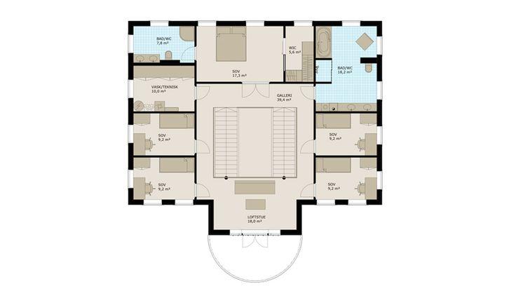 Den store hallen med dobbel takhøyde og dobbelt trappeløp, ønsker deg velkommen hjem. Gjennom en to-fløyet dør ser du rett gjennom stuen og videre ut til hagen på baksiden. Et stort kjøkken på nærmere 27 kvm er praktisk plassert nært entreen. Her er det gode. Stuene innbyr til å samle venner og familie til hyggelige sammenkomster. Fra stuen er det utgang til hagen. Den ekstra takhøyden som er i alle rom, gir en ekstra god romfølelse.