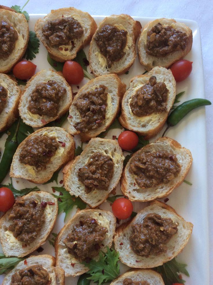 Bruschetta with Spicy Chicken Livers.
