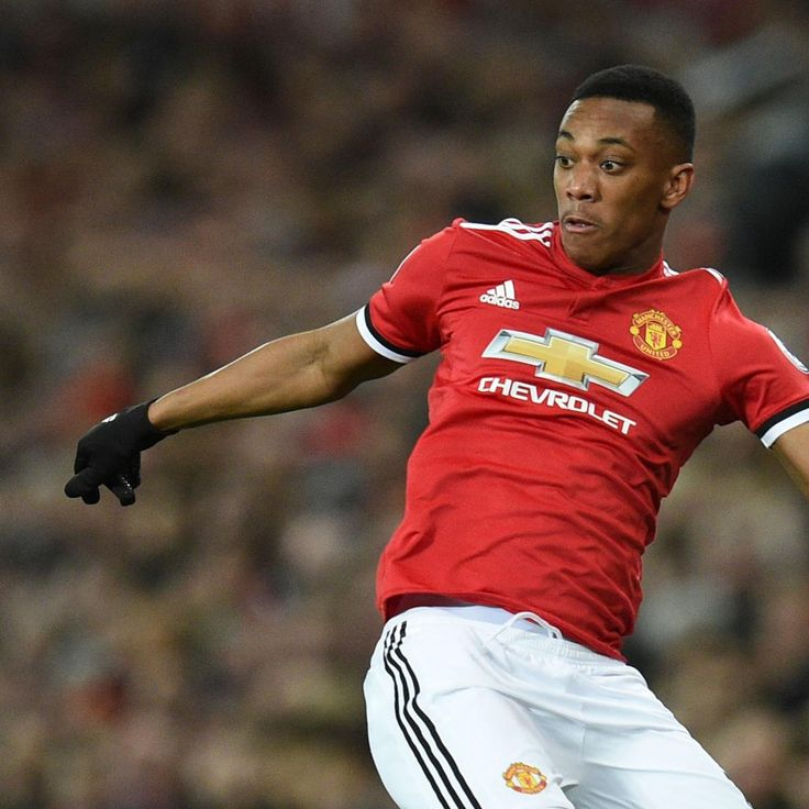 Manchester United Transfer News: Latest Rumours on Anthony Martial and Luke Shaw