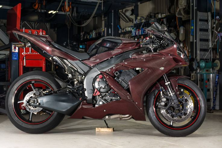 YZF-R1 RED CARBON!!