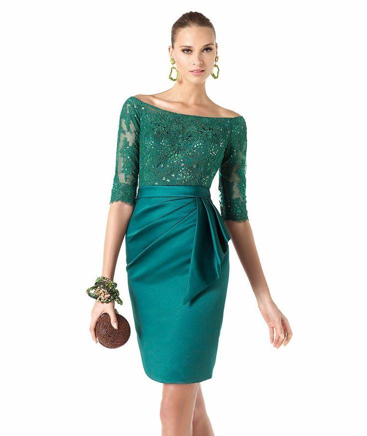 Romance es un acertado nombre para este vestido de noche corto de Pronovias