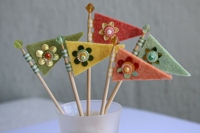 felted flags   cute for cupcakes for a party....Maxie's 8th with an 8 in ribbon