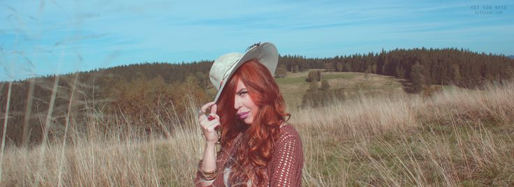 Kat Von Rose #boho #vintage #bohochic #fashion #style #hippy #gypsy #inspiration #wildwest #ginger #hair #bohooutfit #outfit #bohemian #hat #bohostyle #style