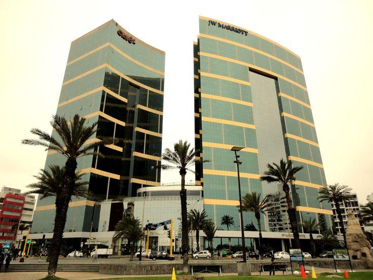 Miraflores - Lima - Perú. | Es el sector moderno de la ciudad de Lima, se sitúa en la costa del océano Pacífico. Es una zona residencial y turísca. Los hoteles, centros comerciales, parques y demás atractivo , brindan a los visitantes servicios seguros y de calidad.