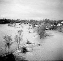 October 15, 1954 – Hurricane Hazel makes U.S. landfall; it is the only recorded Category 4 hurricane to strike as far north as North Carolina.    The Weston Golf Club was left submerged after the Humber River burst its banks during Hurricane Hazel in Toronto.