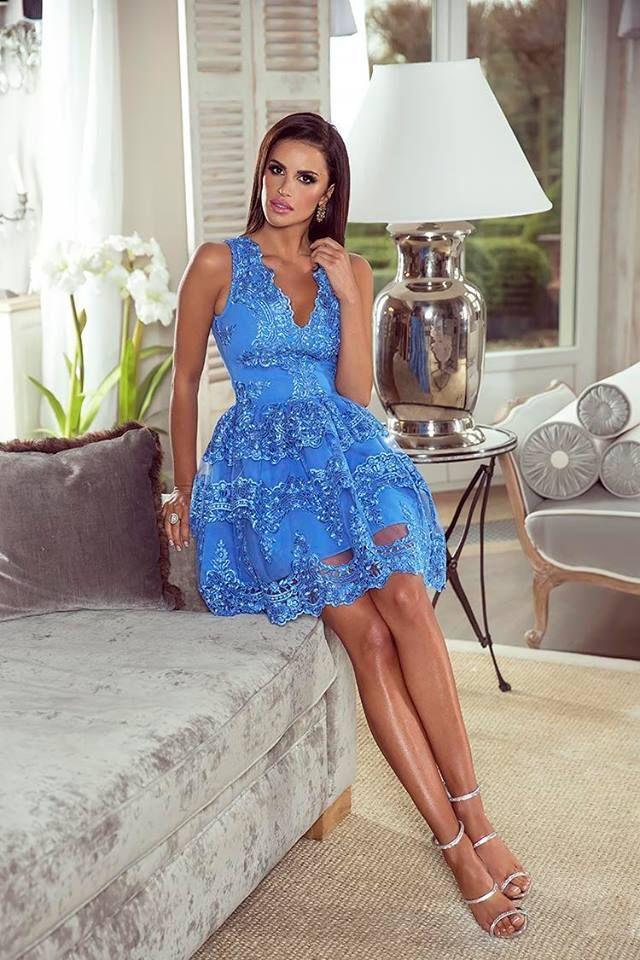 Wyjątkowa Koronkowa sukienka w kolorze niebieskim.  Zobacz na http://besima.pl