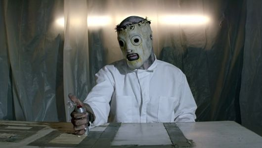 """Descubra as novas máscaras do @slipknot no clipe de """"The Devil In I""""…"""