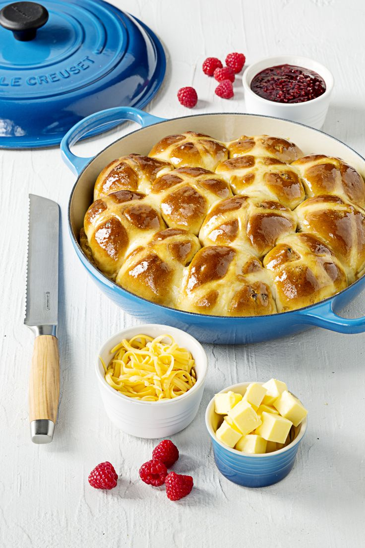 Le Creuset Signature Buffet Casserole (Home-Baked Hot Cross Buns)