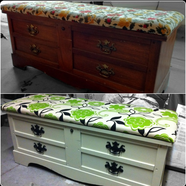 Nice Refinished Lane Cedar Lined Hope Chest.
