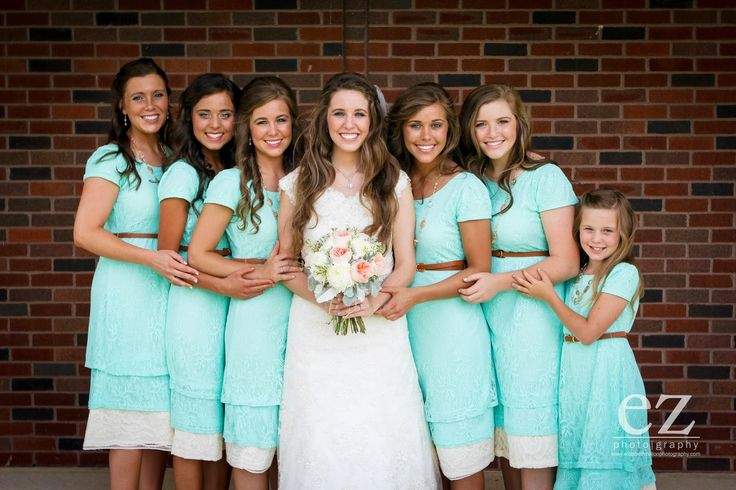 I love Jill's wedding pictures I also love these girls from 19 kids and counting they are so pretty