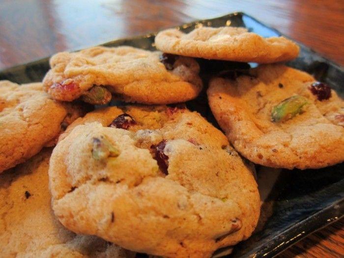עוגיות פיסטוקים, שוקולד וחמוציות