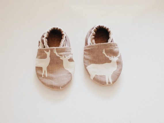 Baby Booties Elk & Stripe by Blueberriesforcall on Etsy