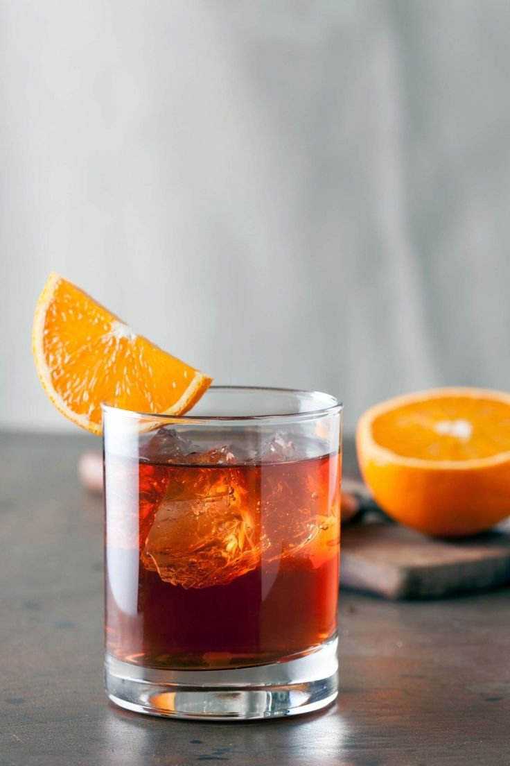 Cocktail Negroni recipe, cocktail with gin sweet vermouth and Campari bitter