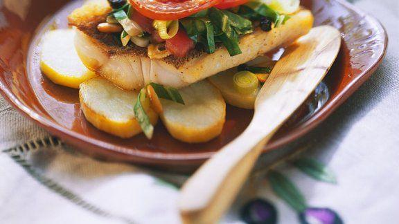 Rezept: Barsch mit Gemüse aus dem Ofen