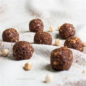 Energy bites van dadels en noten - op 3 manieren