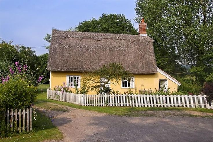 Cobbs Cottage - A beautiful chocolate box thatched cottage