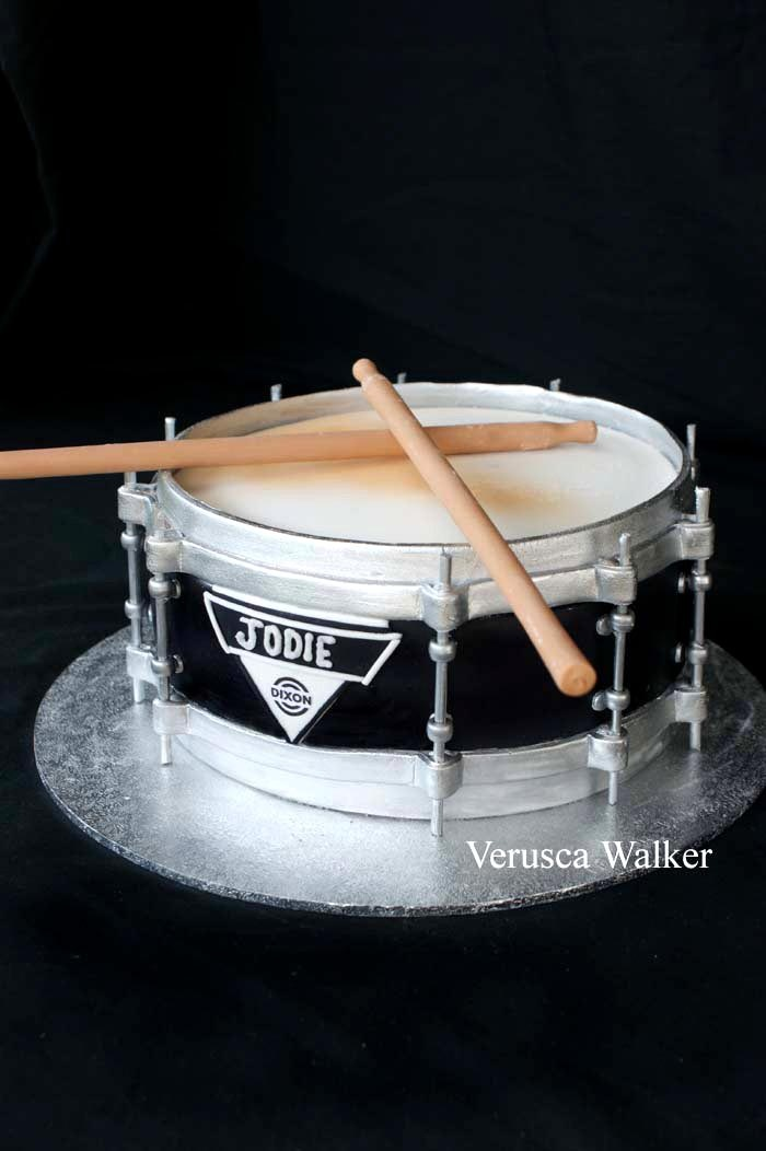 Totally awesome! Dixon #Drum #Cake - We love and had to share! Great #CakeDecorating! by Verusca Walker