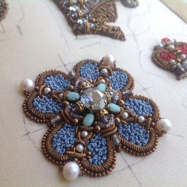 Из старенького.процессы.Авторская ручная вышивка...#вышивка #жемчуг #канитель #embroidery #fashion_embroidery