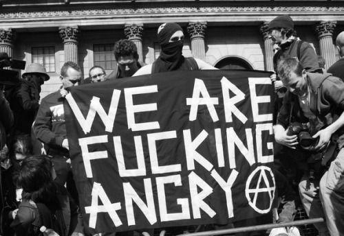 Fuck yeah bandiere anarchiche