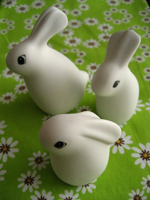 Arabia Finland Heljä Liukko-Sundström rabbits by frostpatterns, via Flickr