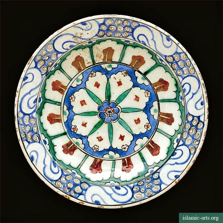 Iznik polychrome pottery dish, Turkey, ca. 1585