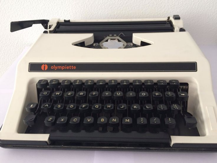 Vintage Olympiette portable working typewriter, offwhite with black by MORETHANVINTAGENL on Etsy