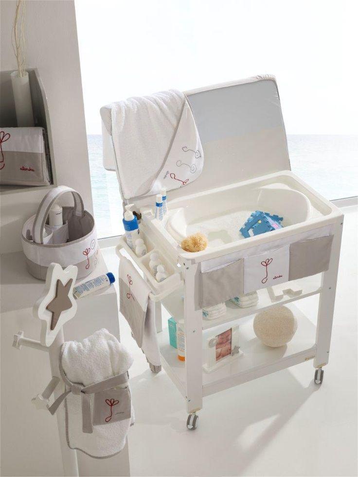 El momento del baño de tu bebé es uno de los más especiales. Descubre nuestros muebles bañera infantiles y ¡elige la bañera que más te guste!