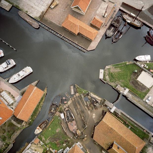 Luchtfoto van scheepstimmerwerf de hoop. 1van de bezienswaardigheden van #workum