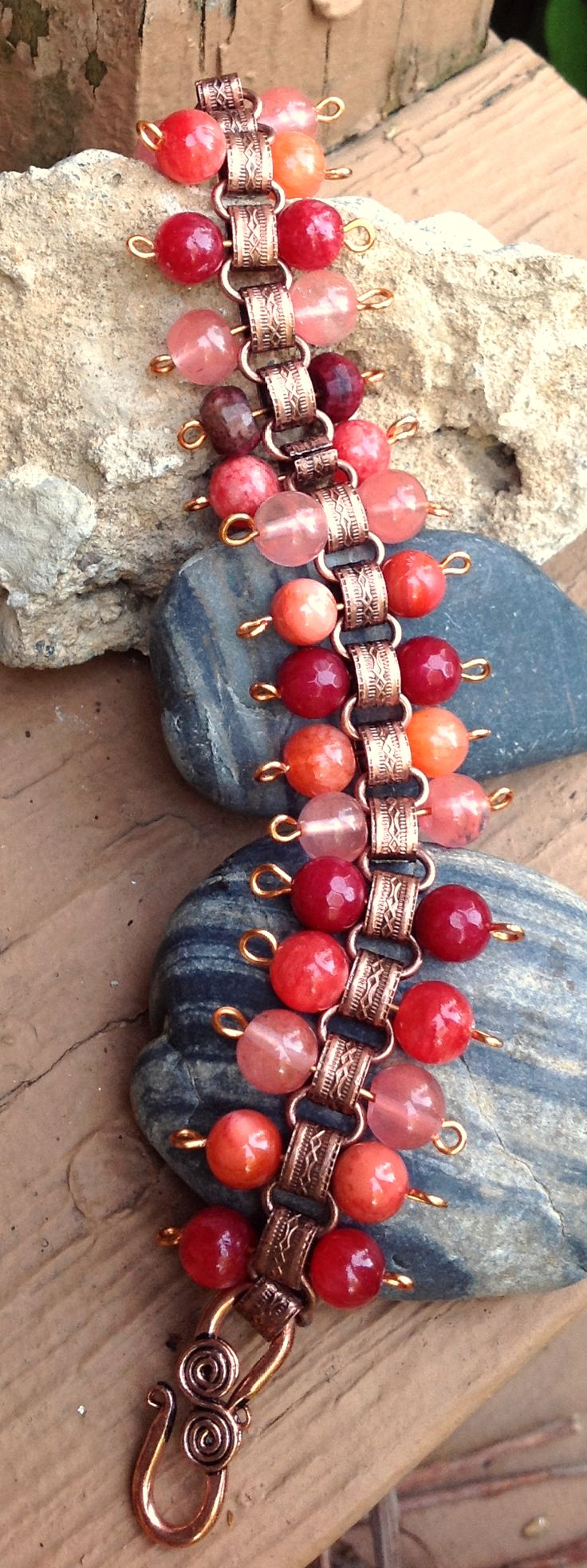 Bracelet with Peach, strawberry and merlot stones in copper. Stunning colored bracelet for late summer or fall.
