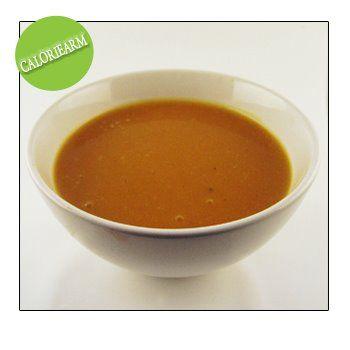 Vandaag soep gemaakt van onze zelf gekweekte potimarron. Ik ga er volgend jaar terug planten. Heel lekker van smaak en, aangezien ze niet groot zijn, erg handig. Soep voor 3 à 4 personen: 400 g vruchtvlees van de pompoen 1 mager bouillonblokje (groenten) 1 teentje look snuifje gedroogde tijm 1 laurierblad 1 liter water 1 …