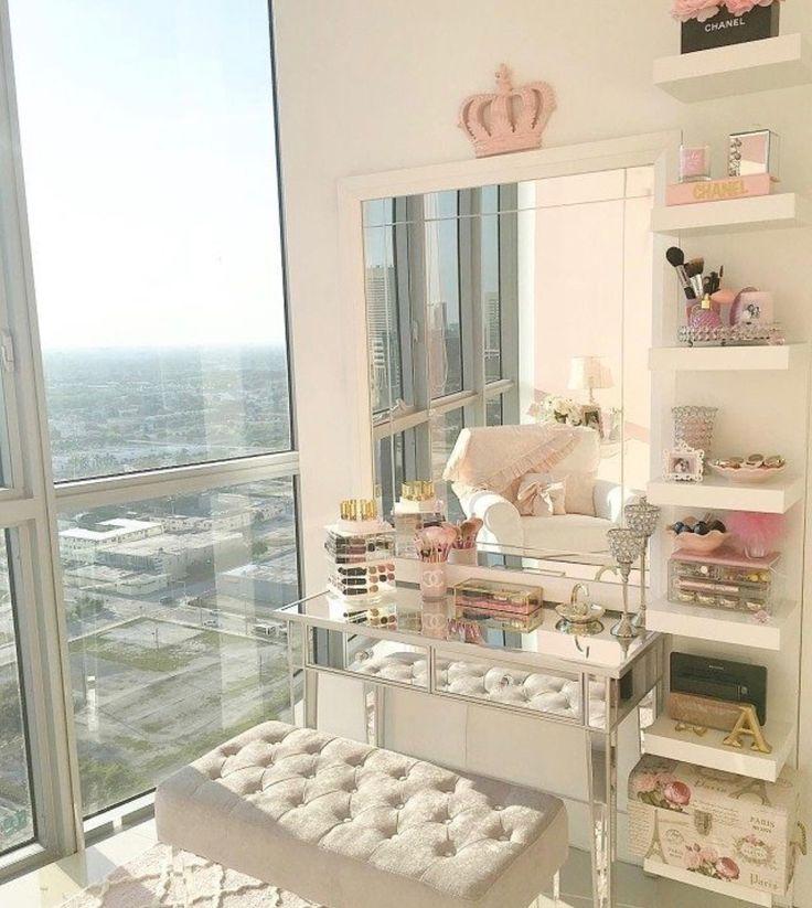 professional makeup vanity table with lights. Best 25  Makeup table with lights ideas on Pinterest lighted mirror Diy makeup and Vanity