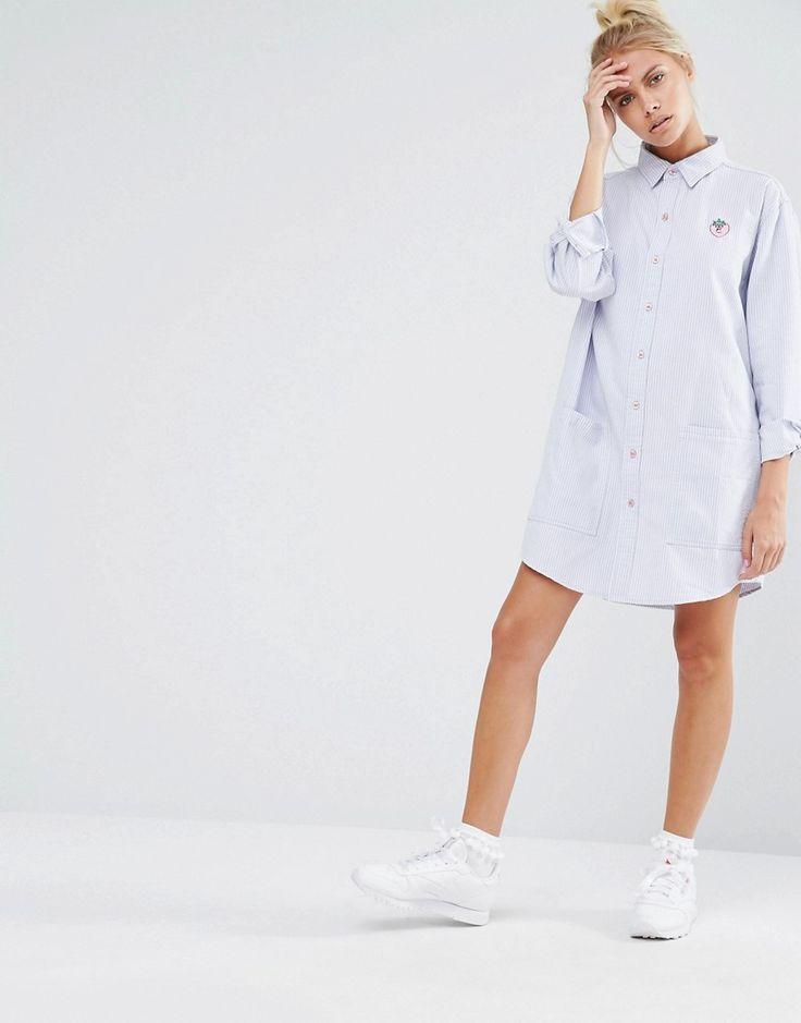 Изображение 4 из Платье-рубашка кроя оversize с клубникой Lazy Oaf