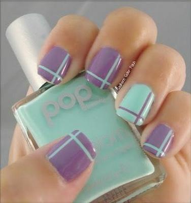 uñas a dos colores con cintillas