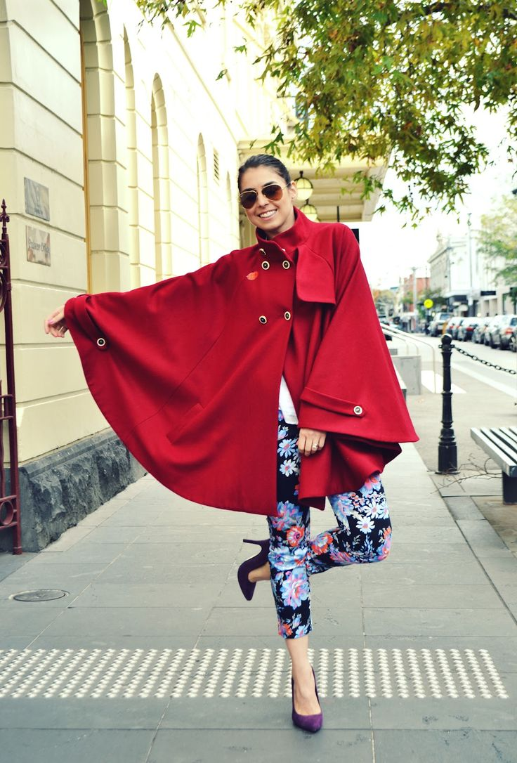 (via Michelle's Style File | Melbourne fashion blog | Australian street style: JUNK) i really want a red riding hood cape