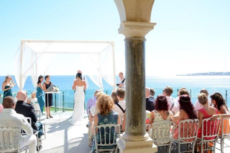 Real Wedding in Portugal @ Villa Sao Paulo - Lorraine & Mike . Wedding Venue in Portugal. Wedding by the Sea - Villa Sao Paulo - Wedding Villa in Portugal. #PortugalWeddingGuide #weddingbytheseaportugal #weddingvenueinportugal #weddingceremonyinportugal #casamentonapraiaportugal #casamentoemportugal #villasaopaulo #weddingplannerportugal #weddingdestinationinportugal #weddinginportugal