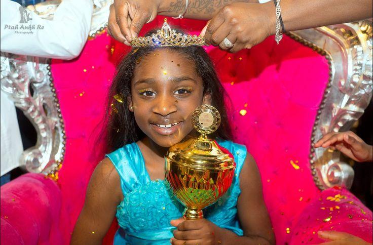Winnares Miss Braids4kids 2017 Ja, ik vind het ontzettend belangrijk om aandacht te besteden aan het zelfbeeld van kleine meisjes en zie ze maar al te graag opgroeien tot zelfverzekerde vrouwen &#…