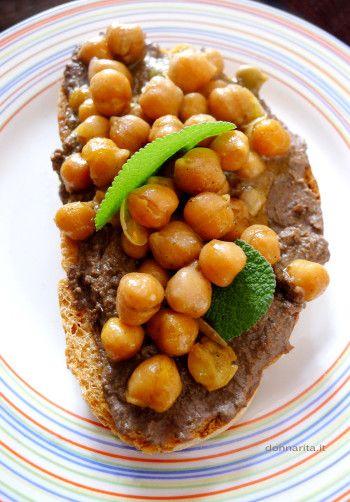 Crostone con fegatini alla toscana e ceci Donnarita https://www.donnarita.it/cibo/antipasti/crostone-con-fegatini-alla-toscana-e-ceci/