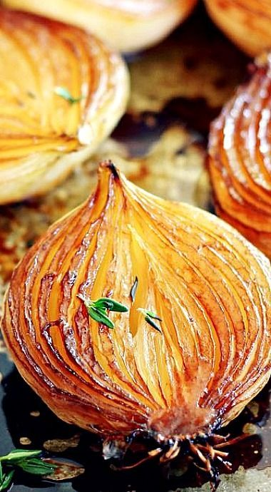 Balsamic Caramelized Onions ❊