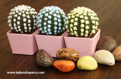 Cactus fantasía redondo con espinas en colores pastel tejido a crochet…