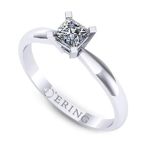 Inelul este realizat din: 1 x diamant, dimensiune: ~3.50mm, culoare: G, claritate: VS2, forma: princess
