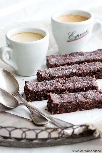 CHOCOLATE WITH ALMONDS SHORT BREAD {Scroll down for the English version}
