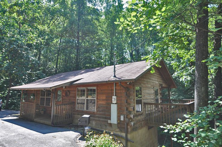 Little pine cone this 1 bedroom cabin is nestled in the - 1 bedroom cabins in smoky mountains ...