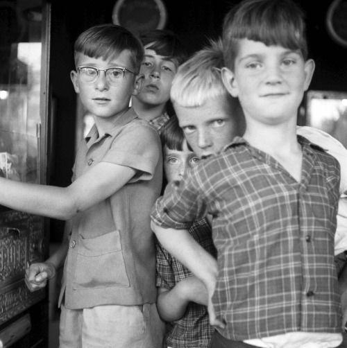 Philip Mechanicus :: Kermis op het Frederiksplein, 1957