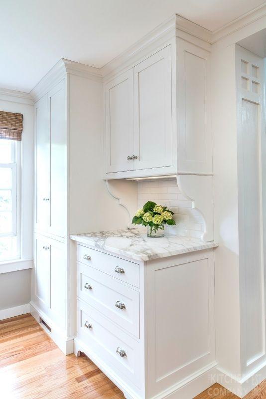 Blissful Cottage Kitchen Cabinetry: WoodMode BrookHaven Cabinets With  Nordic White Finish | Backsplash: White
