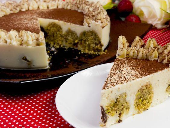 Tort fără coacere cu gust de înghețată – îți lingi degetele cât de delicios este!